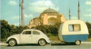 Redesign eines Wohnwagen-Klassikers – Designwettbewerb zum Knaus Tabbert Schwalbennest