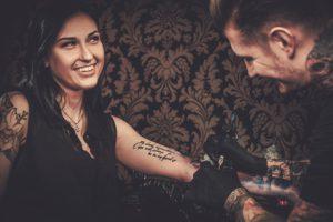 Tattoo-Design – von der Idee zur Körperkunst