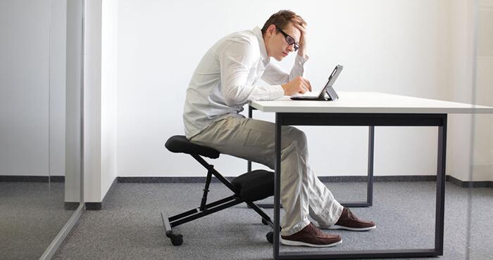 Haltung Ergonimie Schreibtisch Büro Designer