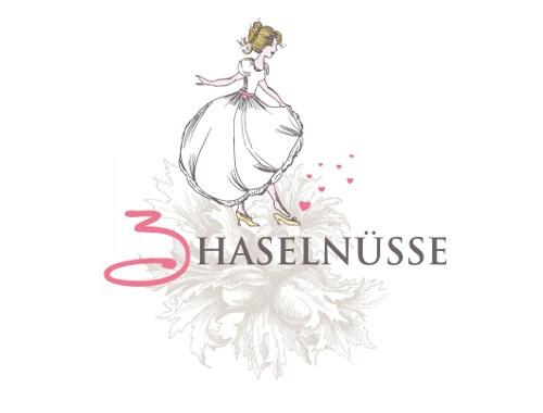 Herz Logo Design Hochzeit 3 Haselnüsse