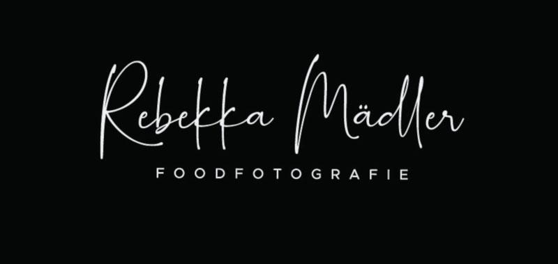 Rebekka-Maedler-Foodfotografie-Unternehmenslogos-Typografie